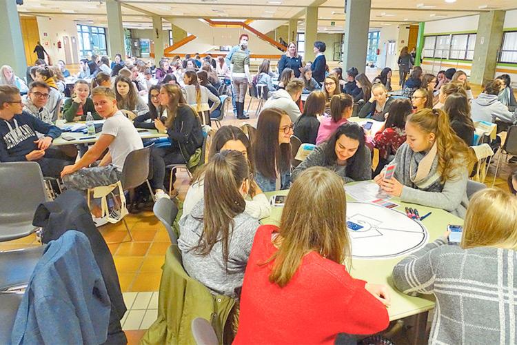 Rund 160 SchülerInnen beschäftigten sich mit der Zukunft der EU.