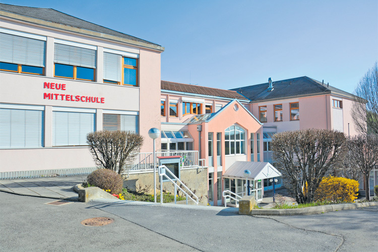 Drei Volksschulen sowie die Neue Mittelschule runden das Bildungsangebot in Riegersburg ab.
