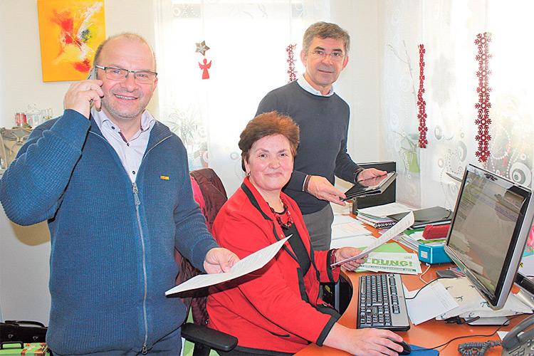 Mag. Edith Felber bei der großen Bürgerbefragung mit den Abgeordneten Toni Gangl und Franz Fartek. Ein großer Erfolg für die ÖVP.