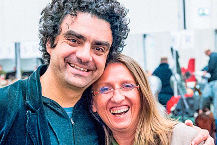Karola mit dem Opernsänger Rolando Villazon.