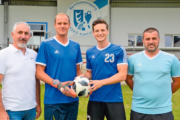Obmann Franz Wagner, David Kraft, Julian Binder und Trainer Banfalvi vom ASKÖ Kohfidisch.