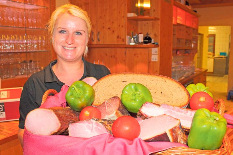 Eveline Krachler mit den besten Lebensmitteln.