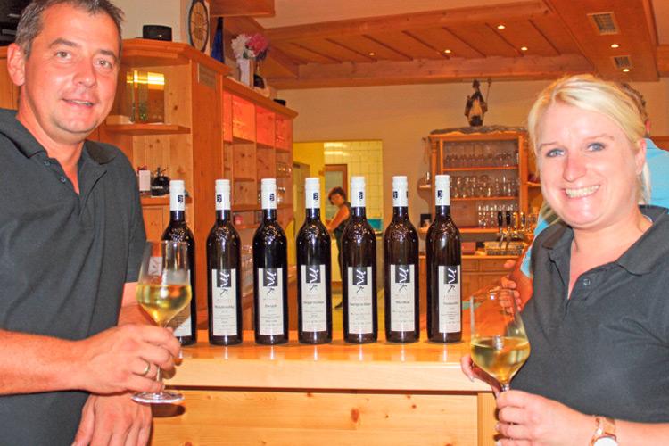 Markus & Eveline mit ihren Top-Weinen.