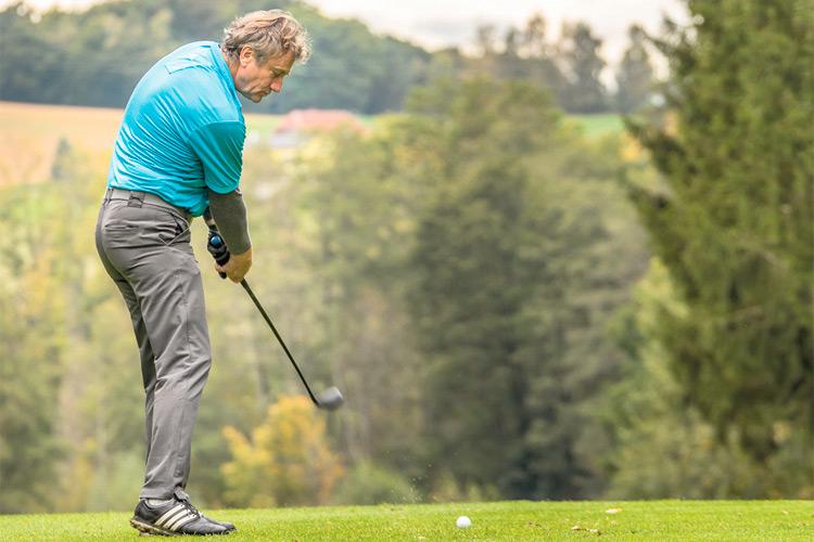 Ausgezeichnete Leistungen beim Süd-Ost Journal Golf Cup Abschluss-Turnier. Anton Jaindl mit einem zielsicheren Schlag.