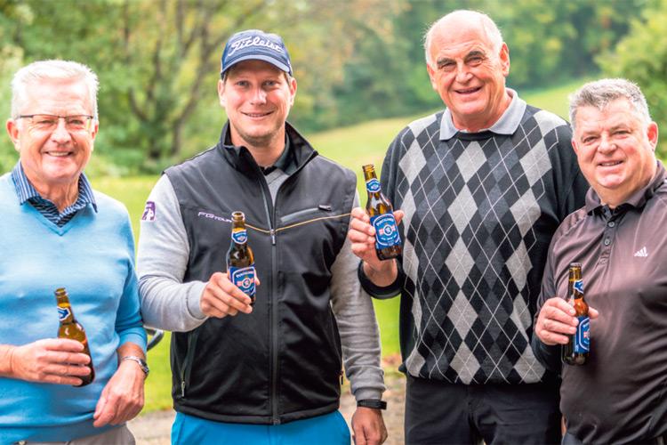 """""""Ein Prost"""" nach einem schönen, erfolgreichen Golftag in Bad Gleichenberg."""