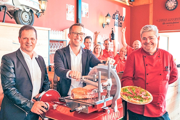 (v.l.:) Food and Beverage Manager Meier, GF Borckenstein-Quirini, Küchenchef Pint.