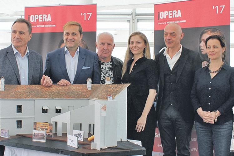 Oper carmen zum 15 j hrigen jubil um jopera auf schlo tabor for Dietmar haas